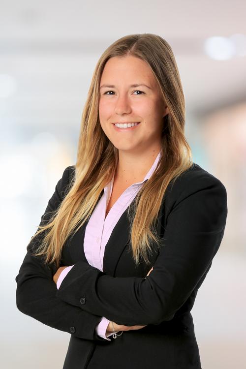 Ihre Ansprechpartnerin für IT-Jobs: Antonia Zimmermann