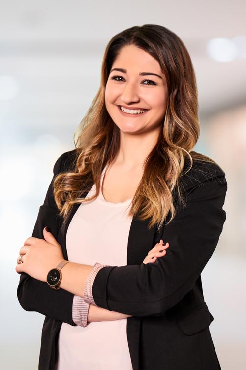 Ihre Ansprechpartnerin für IT-Jobs: Hatice Zafer
